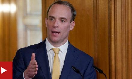 """拉布或将代理首相,约翰逊病情周三才会有进展,专家称英国疫情""""可能正朝着正确的方向发展,萨里郡尸袋短缺,尸体被床单包裹"""
